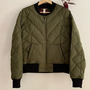 SOLD Lolë Down insulated Bomber jacket
